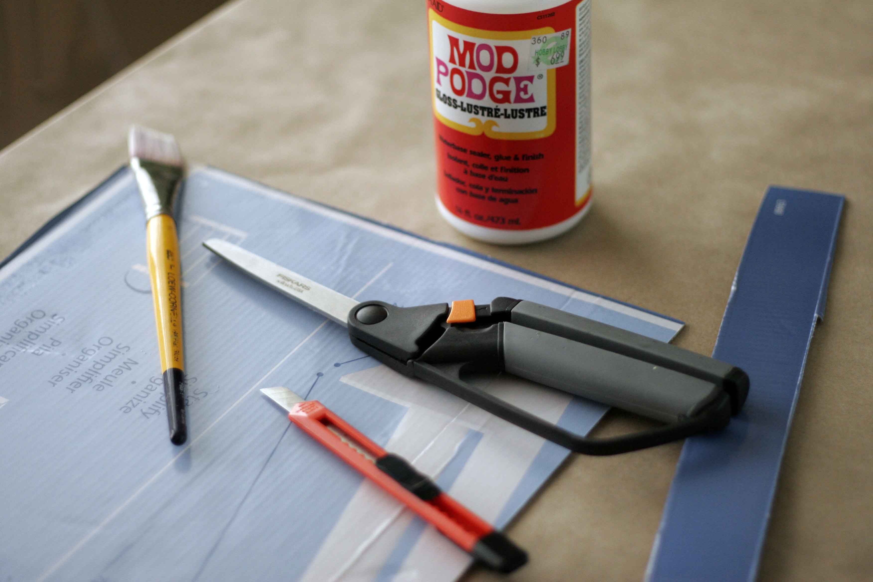 How To Make A Serving Tray Out Of Cardboard