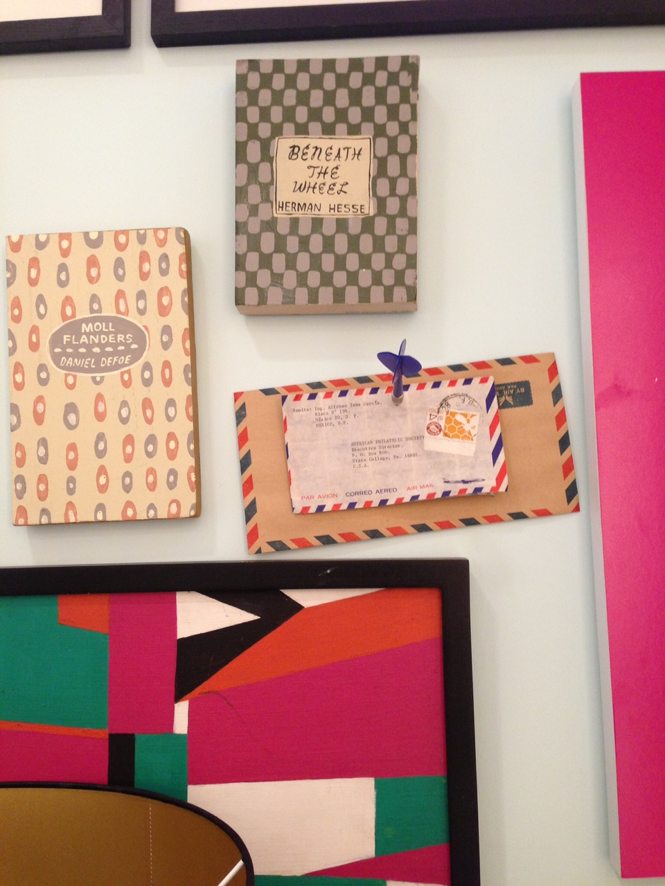 Kate Spade store photo dart gallery wall